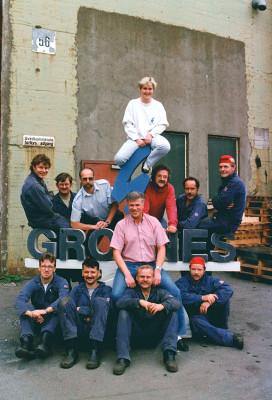 1991: Nede, fra venstre: Bjørnar Lillerødvann, Lars Hoff, Trond Nilsen og Kenneth Lysfjord. I midten: Tor Svartvatn Oppe, fra venstre: Erling Remy Pedersen, Ole Johnny Hagen, Sigurd Wist, Per Fagermo, Heiki Storbakk og Joar Hansen. Øverst: Lisbeth Gårdvik.