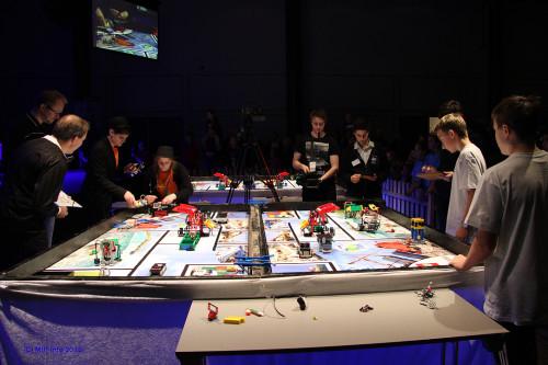 Hvem skal trekke det lengste strået? Tett kamp mellom Korgen Lego Locos og Austbø LegoMafia i finalen