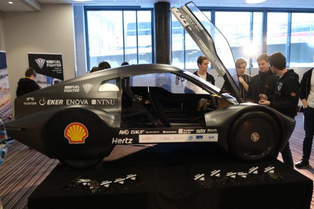 DNV GL FuelFighter sin racerbil var stilt ut under årets Gallaria.