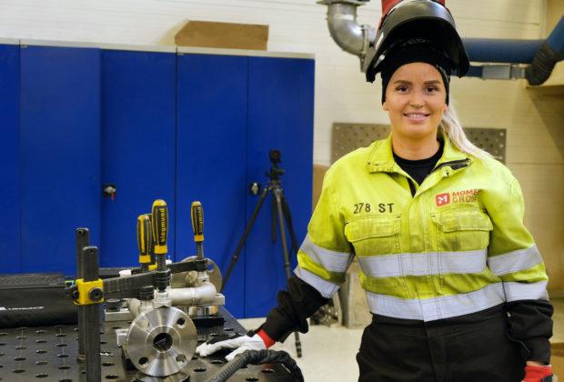 Signe er fornøyd med at arbeidsgiver legger til rette for videreutdanning og ser frem til fortsettelsen i Momek.