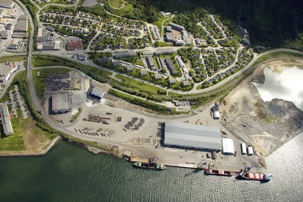 Wasco Energy vil etablere sin virksomhet i det store bygget på Rana Industriterminal, like ved kaikanten. Bygget vil ha behov for utvidelse mot venstre, og lager av rør vil skje like utenfor bygget, samt på sentraltomta i Mo Industripark.