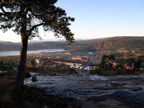 Mo Industripark fra Mofjellet.