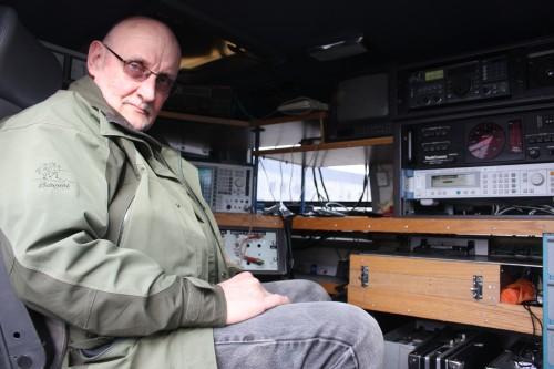 Thorgrim Hestvik i Post- og teletilsynet avdekket signaler fra 20 forskjellige rutere ved Skansenporten, som konkurrerte med bilbrikkene om portsystemets oppmerksomhet. De ga mye kluss!