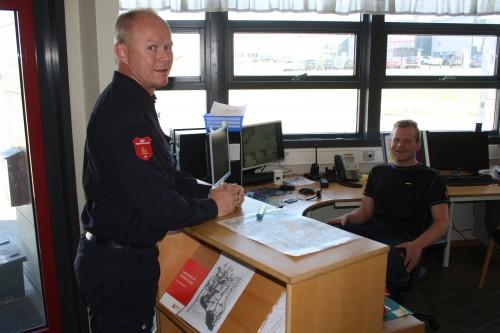 Kjetil Johnsen (t.v.) og Bjørn Harald Stien fra MIP Sikkerhetssenter er klar til å møte besøkende i portvakta.