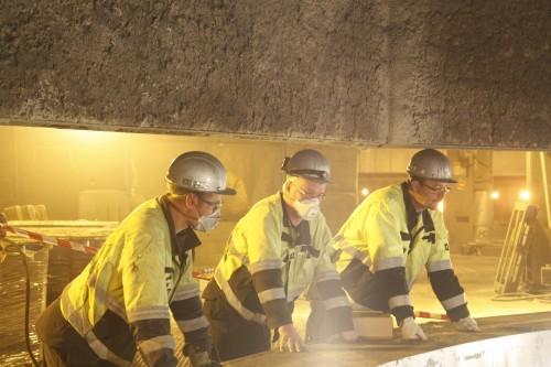 Tre av deltakerne i arbeidet med ovn 6: Eirik Michalsen som prosjektleder, Tore Johansen fra elektro, og Kenneth Høgås fra mekanisk.