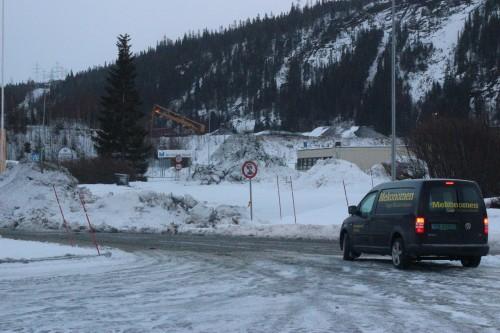 Oppstillingsplassen for tungtransportkjøretøy utenfor Mo Industripark er nå stengt.