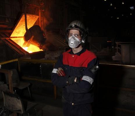 Runar Holdal Elvebakk arbeider som prosessoperatør ved Glencore Manganese Norway AS.
