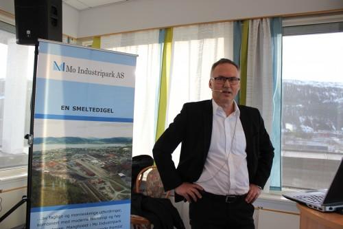 - Vi er svært glad for samarbeidet vi har etablert med Momek Group AS, som nå har startet produksjonen av sugeankre, sa Yngve Vassmyr i Subsea 7.