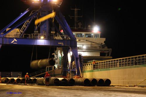 Natt til tirsdag 25. februar startet lasting av de i denne omgang siste av de ferdig coatede rørene for Wasco Coatings Norway AS som skal for forhåndslagres på Averøya ved Kristiansund.