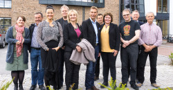Rana besøkte Luleå høsten 2013 og onsdag var de her. De fikk blant annet med seg en omvisning på Nasjonalbiblioteket. Maiken Bjørkan (f.v), Thoralf Lian, Anna Degerman, tillväxtchef Luleå kommun, Håkan Wiklund, tillväxtstrateg, Luleå kommun, Maritha Meethz, kommunfullmäktiges ordförande, Matz Engman, VD Luleå Näringsliv AB, Jan Gabor, Anita Sollie, Jonny Edvardsen, Henrik Johansen og Svein Arne Brygfjeld. Foto: Jan Inge Larsen