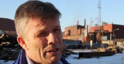 - Industrien på Helgeland står for ei enorm verdiskaping, og den har store utviklingsmuligheter. Jeg ser fram til nyttige møter mellom de tunge industrimiljøene i Mo i Rana og på Lovund, og er sikker på at dagen blir både interessant, nyttig og trivelig, sier ordfører Bjørnar Skjæran i Lurøy kommune. Bildet ble tatt i mars, da han besøkte Mo Industripark. Nå er det ledergruppa i Mo Industripark AS som besøker Lurøy.