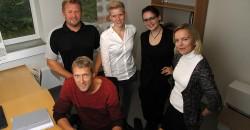 Gründere i nye lokaler. Bak, fra venstre: Tore Vika, Fundanor AS, Tonje Anette Vonstad og Susann Sivertsen, TV KLIPP AS, prosjektleder ved RU Annfrid Olsen, og Wim Kok (foran).
