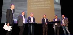 - Vi opplever å få bred støtte for at de norske miljøkravene ikke kun skal gi byrder for norsk industri i forhold til konkurrenter, men at det også må etableres ordninger som premierer miljøriktig produksjon, sier Halvard Meisfjord, salgssjef ved Celsa Armeringsstål AS. Her fra paneldebatten under Industri 2015, der Halvard Meisfjord er nummer tre fra høyre.