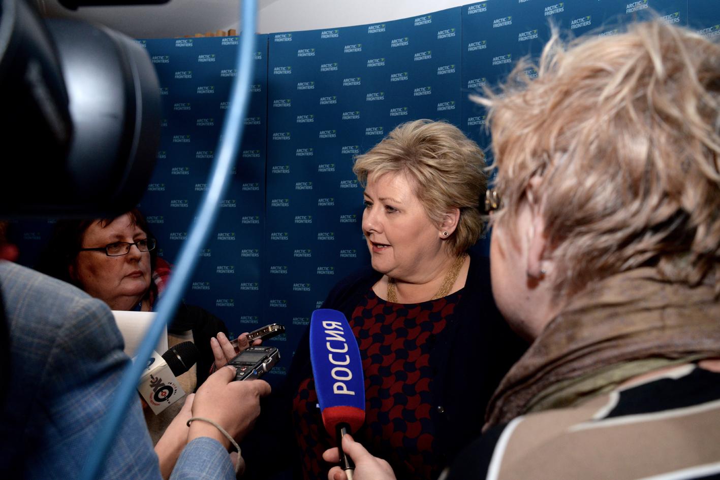 Statsminisuer Erna Solberg fremhevet mulighetene i nord og betydningen av en god infrastruktur, både som innleder under Arctic Frontiers og i et møte med representanter fra Mo Industripark AS.